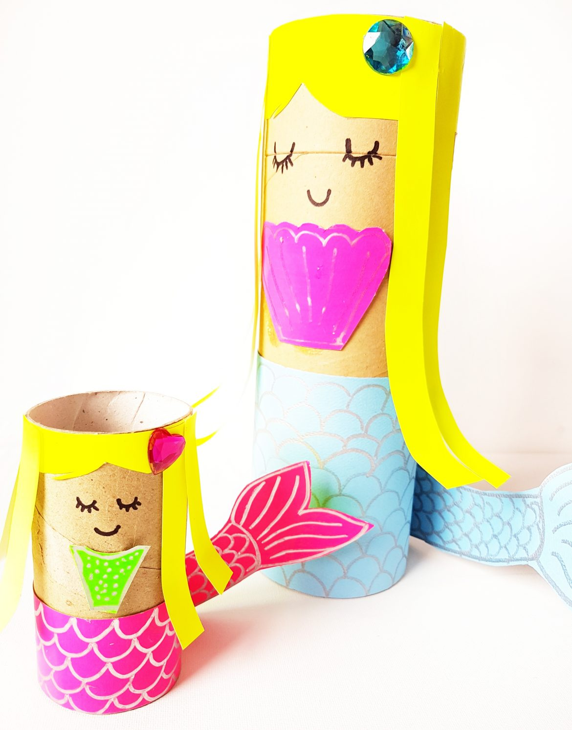 Make this adorable mermaid Craft using paper roll today! #mermaidcraft #oceancrafts