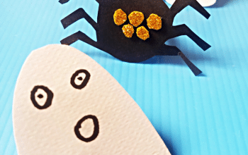 Make this easy Halloween Craft with your little ones this year for some spooky fun!