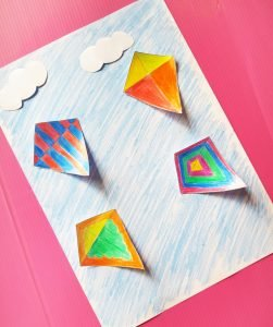 This colourful and easy pop up Kite Craft is sure to be a favourite of your little one. It's super easy to make and a perfect way to introduce patterns to your child. #kitecraft #preschoolcraft #toddlercraft #papercrafts